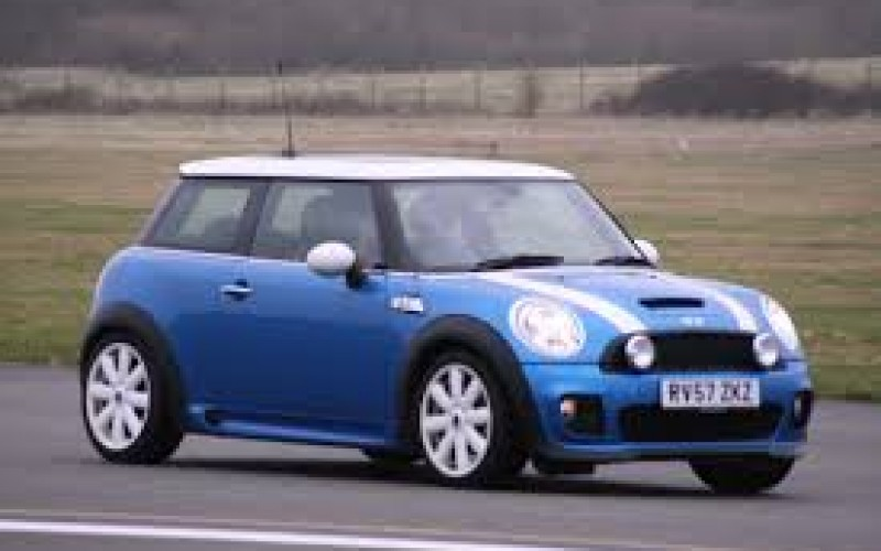 Thief Leads Cops on Mini-Cooper Chase