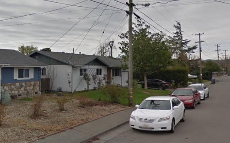 Petaluma Car Thief Leaves Girlfriend in Back Seat