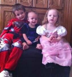 Botta's three children, image from GiveForward.com