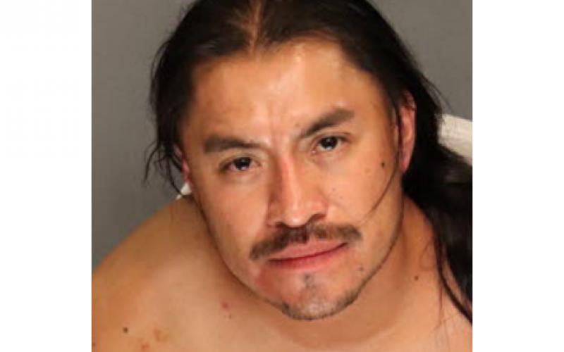 Handcuffed man still tries to run from deputies