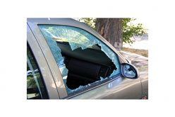 Window smasher doesn't speak to witnesses, officers