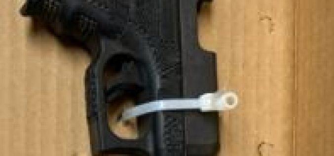 Speeder tosses Glock before stopping