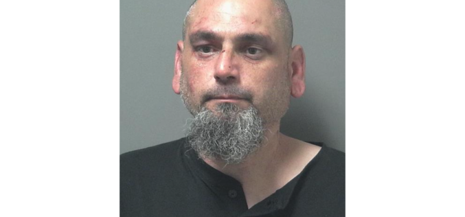 Sheriff's Office: Robbery suspect ran out of gas during pursuit, sat in car smoking cigarettes during hours-long standoff